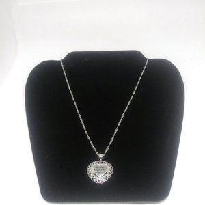 Jewelry - ON SALE NEW Silver Heart shaped pendant necklace